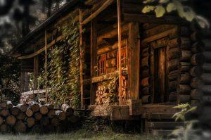 Jak budować domy z drewna klejonego warstwowo?